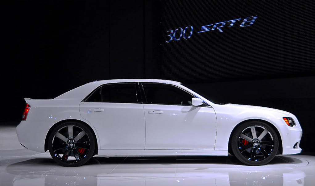09-2012-chrysler-300-srt8-nycopy.jpg