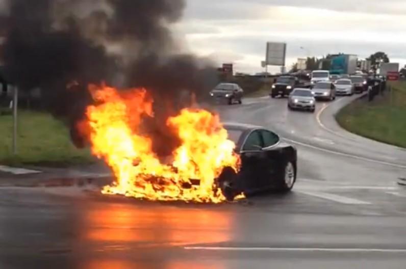 2013-Tesla-Model-S-fire-796x528.jpg