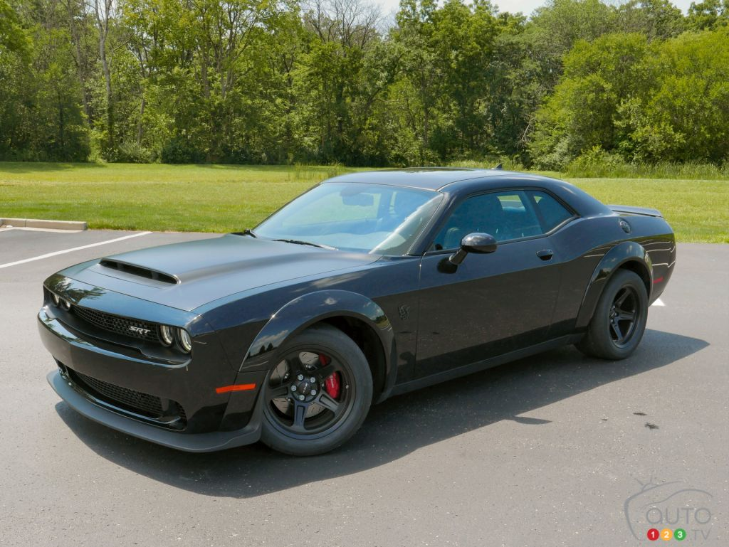 Challenger Srt 392 2018 >> Pitch Black / Black Fender Emblems - Pitch Black / Red Fender Emblems | SRT Hellcat Forum