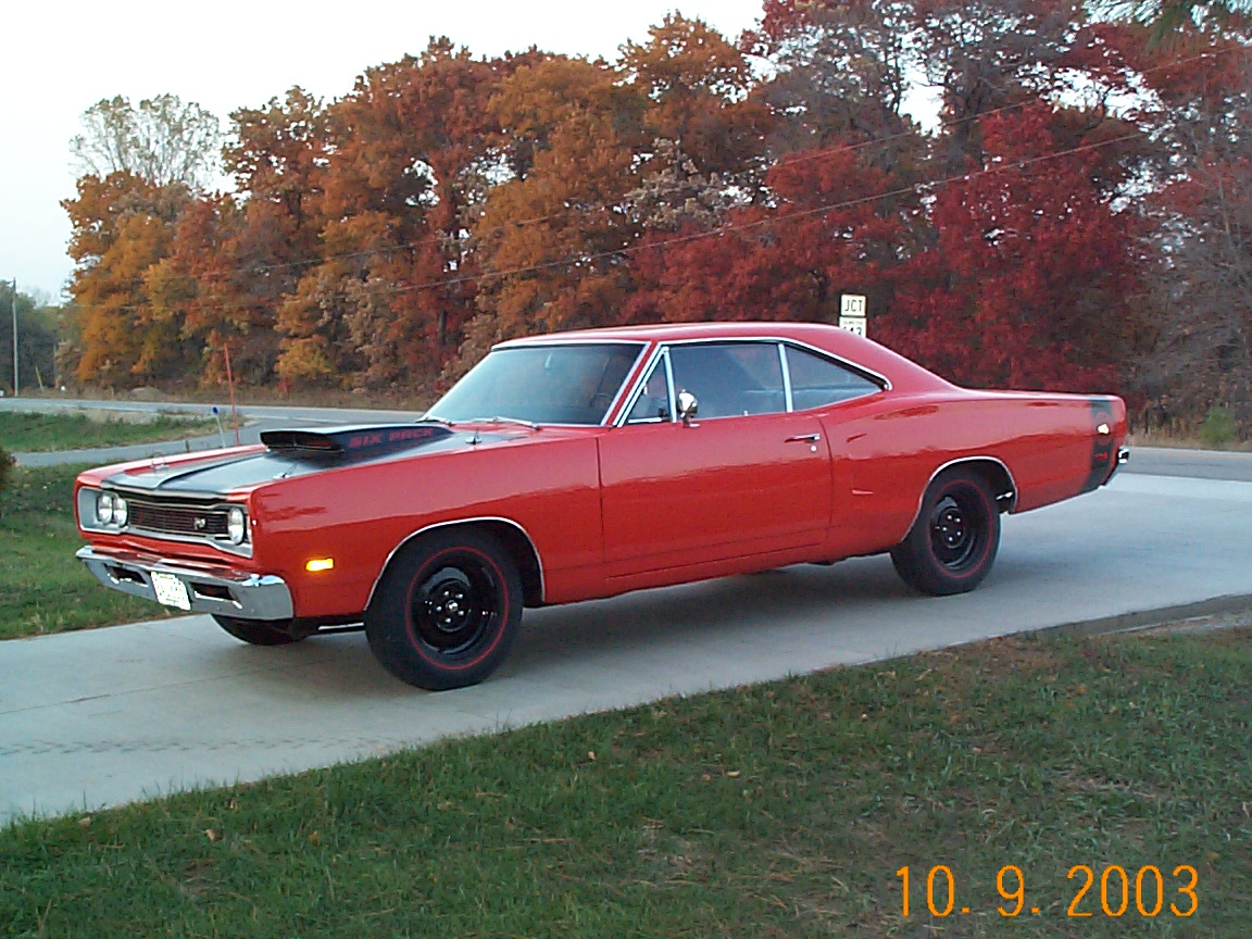69 6 PACK SUPER BEE.JPG
