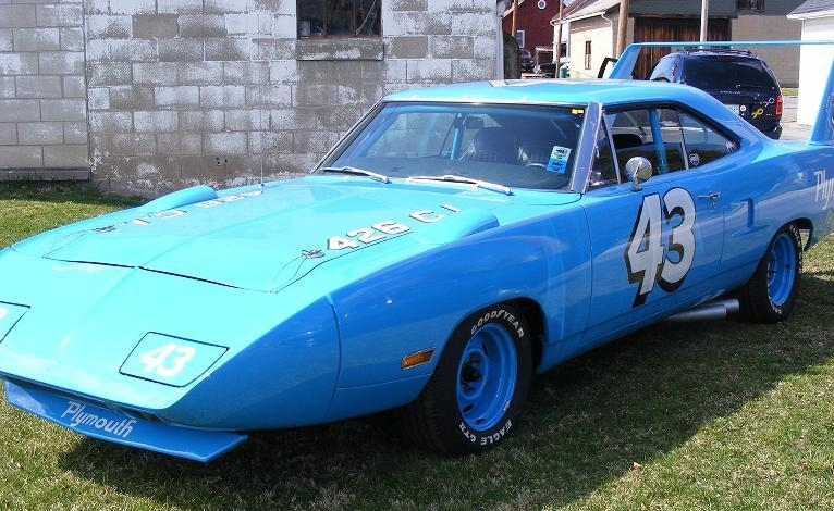 Richard Petty's Superbird drives for the first time since 1970   SRT ...