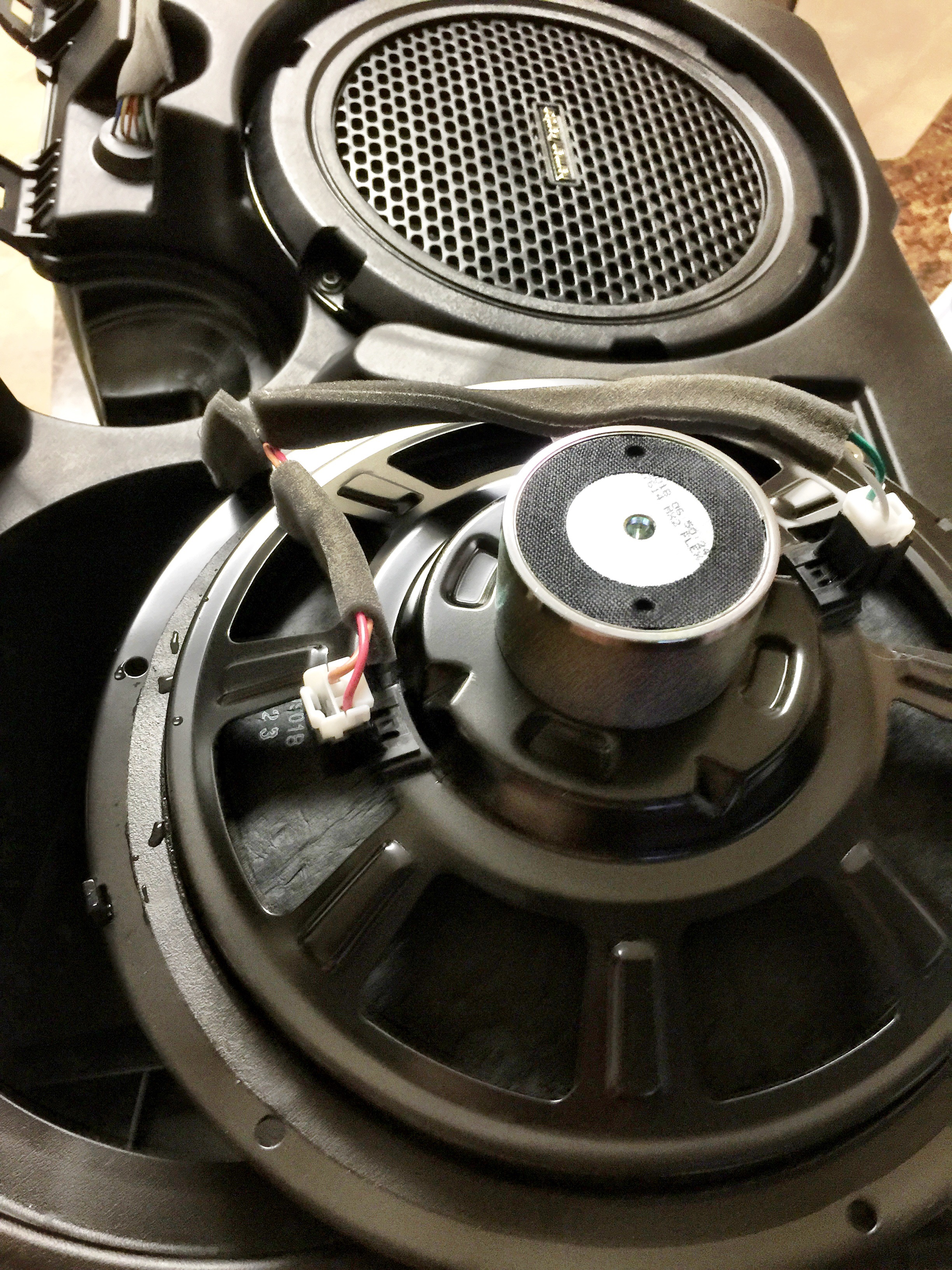 Planning To Replace The Factory Harman Kardon Subwoofers Srt 4 Kicker Sub Wire Diagram Image