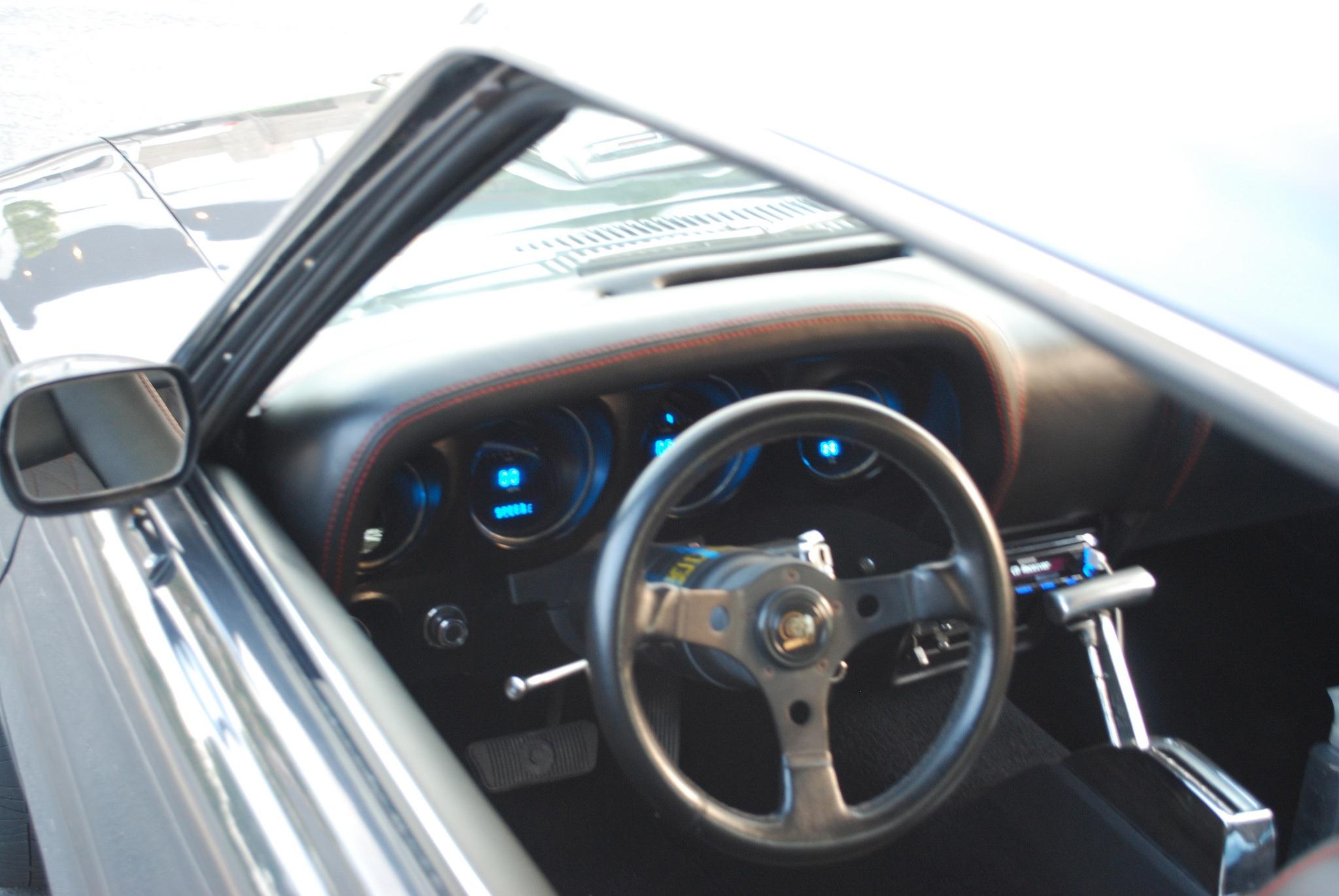 Ivory White Tri Coat Pearl Challenger 3013 SOCAL
